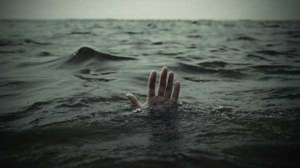 У Запорізькій області хвилі викинули юнака на каміння — тіло хлопця шукають рятувальники