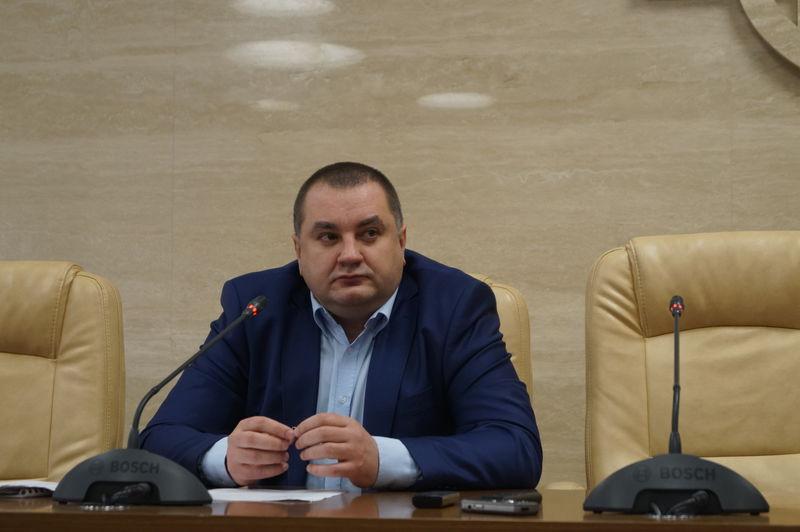Сгорело авто запорожского чиновника, подозреваемого в ущербе государству на 93 млн грн 