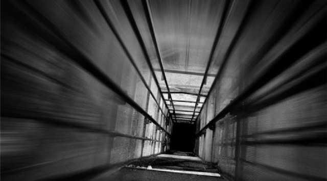 В Запорожье сорвался лифт с ребенком внутри
