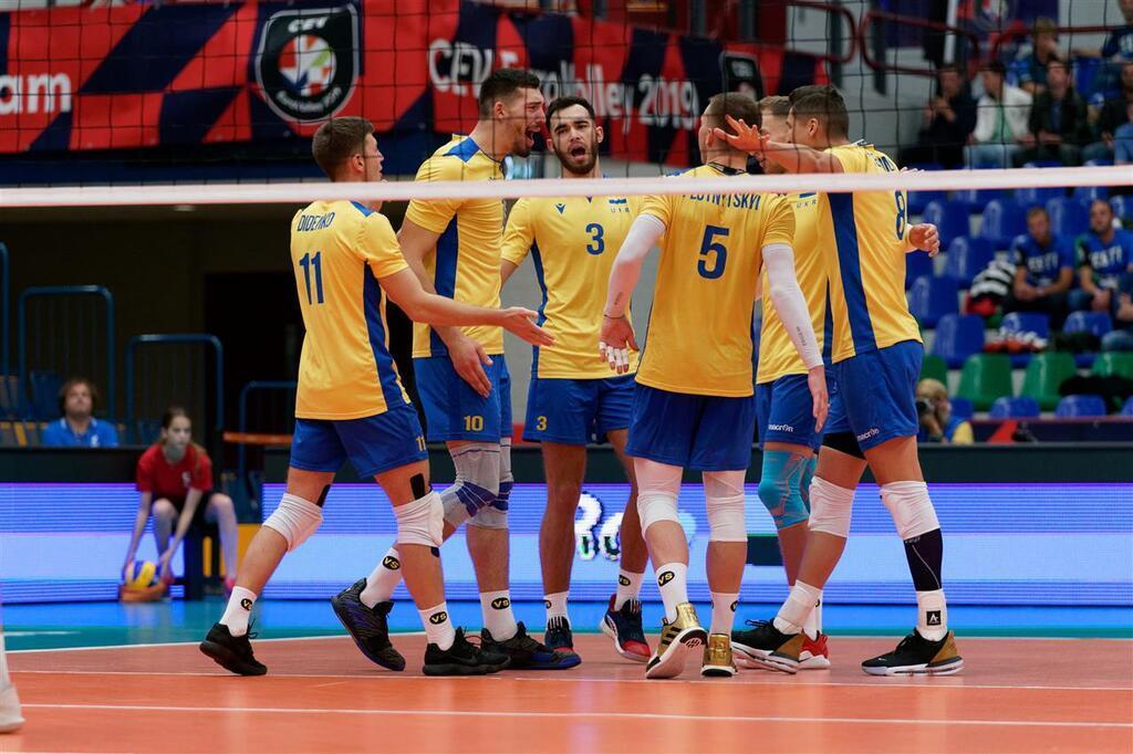 Украина проиграла Польше, однако  вышла вплей-оффЧЕ поволейболу