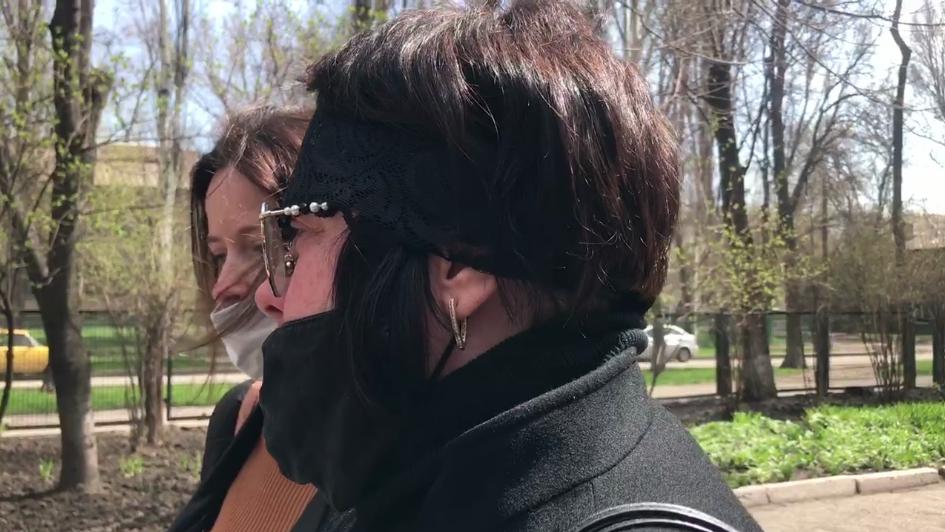 Мама запорожской школьницы, совершившей суицид, рассказала о конфликте с преподавателем и последнем дне своей дочери (ВИДЕО)