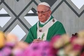 Папа Римский вышел на проповедь с синяком