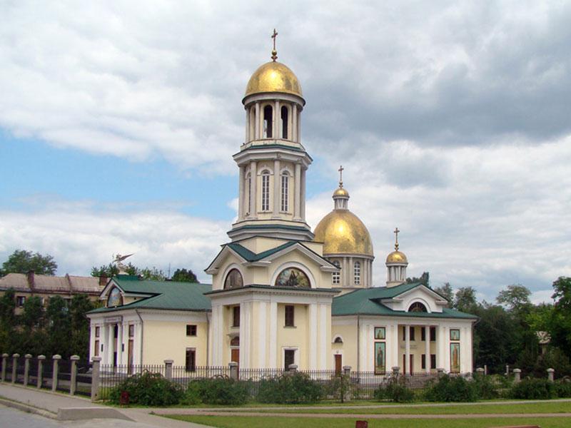 Ночью в Запорожье ограбили церковь и пытались вынести святые мощи