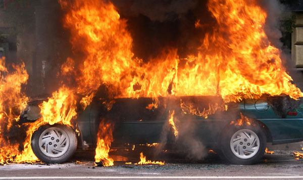 В центре Запорожья BMW загорелась на ходу