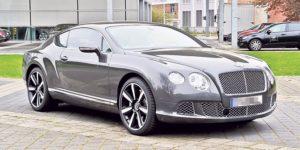 Bentley протаранил кортеж президента