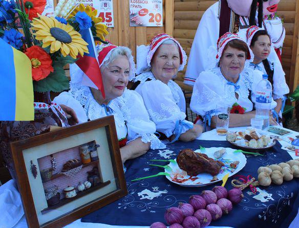 В Мелитополе прошел вкусный межнациональный фестиваль  «Вера. Надежда. Любовь»
