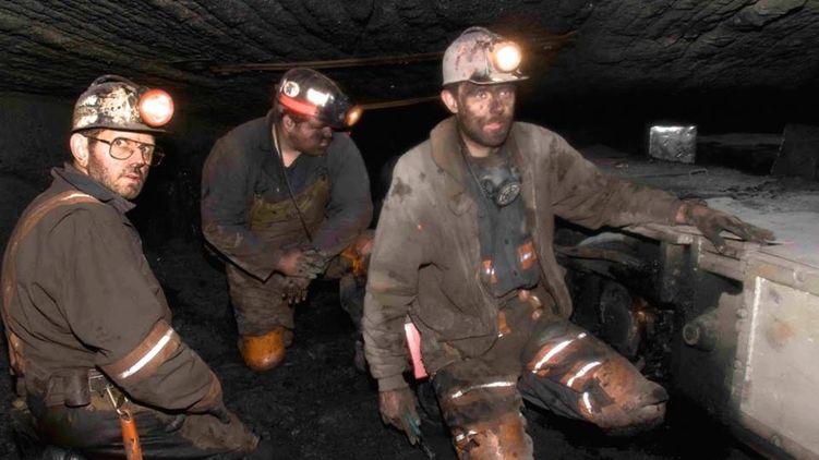 Зарплата $6000 и пенсия $2000. Как живут американские шахтеры, добывающие уголь для Украины