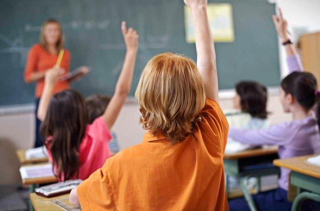 Порошенко призывает учителей разговаривать на украинском с учениками на переменах