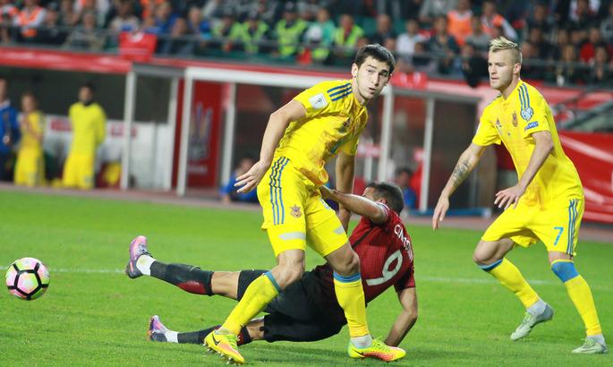 Сборная Украины обыграла Турцию и вышла в лидеры группы отбора на ЧМ-2018