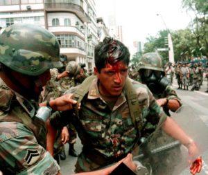 Перевороты и революции. В чем же разница?