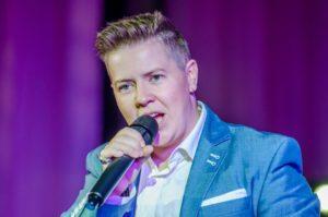 В Запорожье  выступит популярный певец Евгений Литвинкович