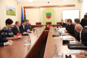 Владимир Буряк провёл встречу с делегацией из Дании