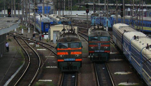 У квітні 2 приміські потяги у Запорізькій області змінять графік руху