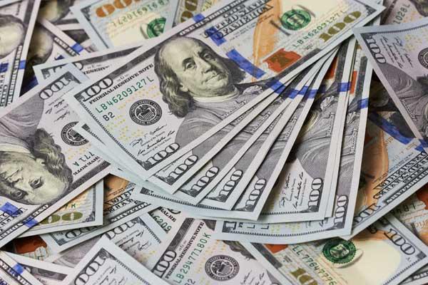 Наличный доллар подорожал до 27 гривен