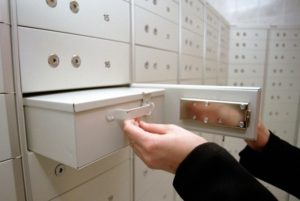 НБУ устроил тотальные проверки банковских хранилищ после ограблений и атак «оборотней»