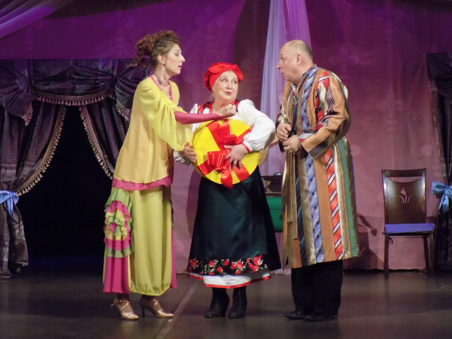 89-й сезон театральный сезон в запорожском театре им. В.Г. Магара ознаменовался премьерой «За двома зайцями»