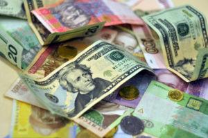 Кто раскачивает курс доллара?