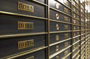 Безнадежные сейфы: почему украинцам опасно хранить деньги в банковских ячейках ?