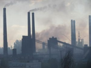 Промпредприятия города опять травили запорожцев выбросами