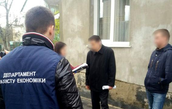 В Луцке полиция задержала экс-депутата облсовета на взятке