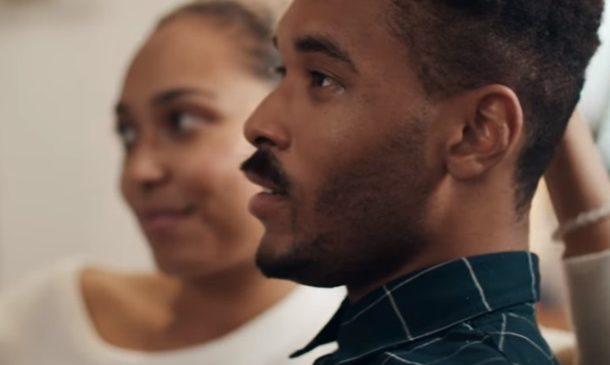 Motorola жестоко пошутила над Samsung в новой рекламе
