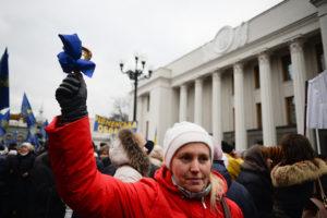 Педагоги в гневе пришли под стены Кабмина: власть урезала финансирование