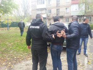 В Запорожье за коррупцию задержали офицера полиции