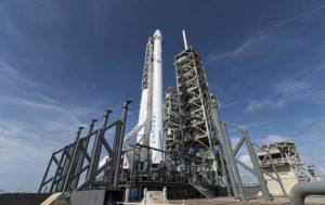 Испытания ракеты Falcon 9 завершились взрывом двигателя
