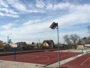 Стадион, который открыли на базе средней школы №100, стал причиной перепалки между депутатами