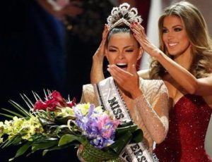 Девушка из ЮАР выиграла конкурс «Мисс Вселенная»