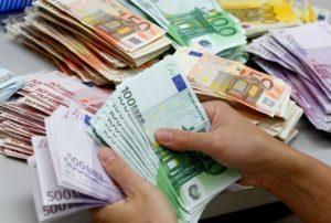 Украинцы продолжают зарабатывать меньше всех в Европе. Инфографика