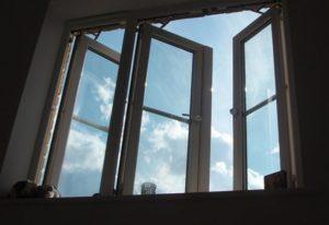 В Днепре ребенок выпал из окна 10 этажа