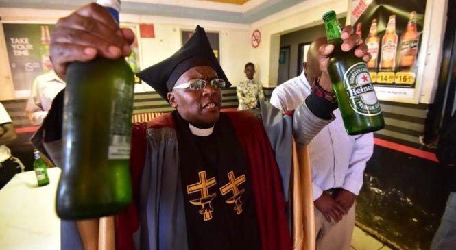 В Южной Африке открылась церковь, где на причастие подают пиво и виски