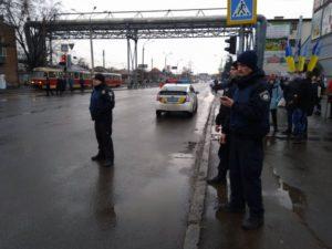 В Харькове из отделения «Укрпочты» вывели женщин и детей