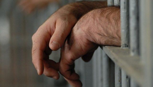 К 4 годам и 1 месяцу лишения свободы приговорили преступника, обворовавшего женщину в мае прошлого года