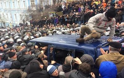 СМИ: Саакашвили освободили из авто силовиков