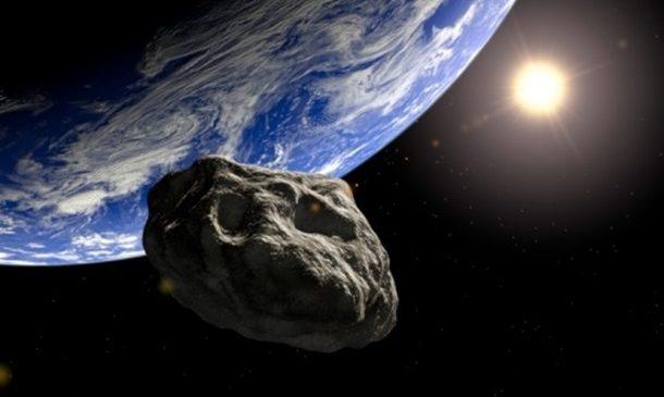 К Земле летит астероид в форме черепа