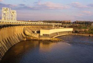 В Запорожье пенсионер покончил с собой, прыгнув с плотины ДнепроГЭСа