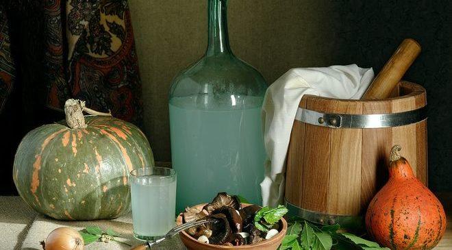 Повышение цен на алкоголь заставляет украинцев переходить на самогон