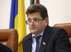Буряк в лидерах: стали известны зарплаты мэров Запорожской области