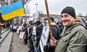 Сотрудники Запорожьеоблэнерго объявили забастовку из-за долгов по зарплате