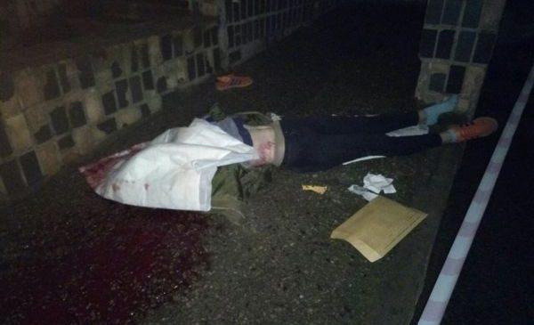 В сеть попало фото с места самоубийства 14-летней девушки, спрыгнувшей с 14-этажки