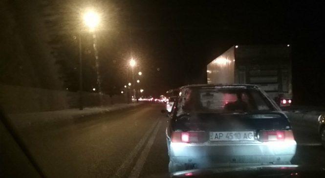 В Запорожье автобус остался без колеса