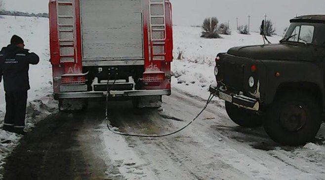В Запорожской области спасатели спасли 6 человек и вытащили 4 автомобиля
