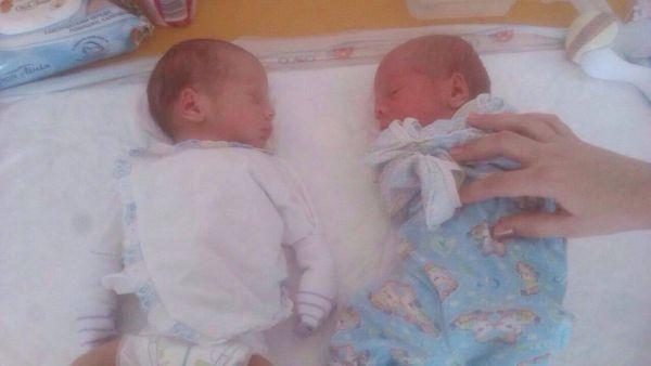 Запорожские спасатели просят помочь двум новорожденным