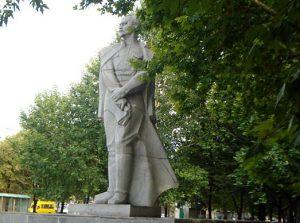 В Запорожье решили продать как вторсырье два декоммунизированных памятника