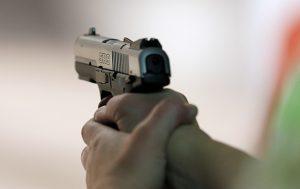 Средь бела дня посреди улицы в Хортицком районе Запорожья расстреляли мужчину