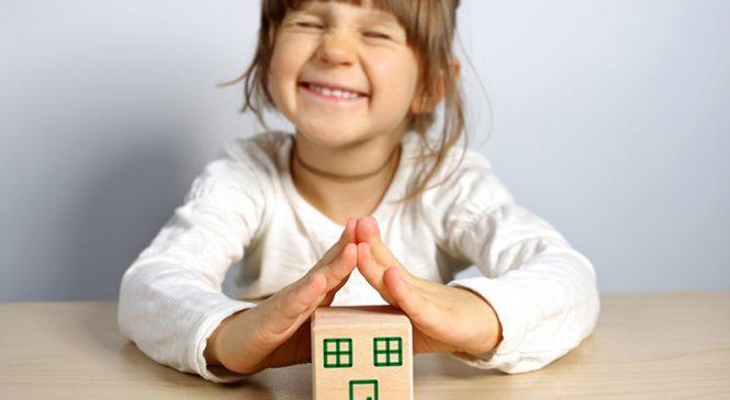 Порошенко подписал указ о защите прав детей-сирот и детей лишенных родительской опеки