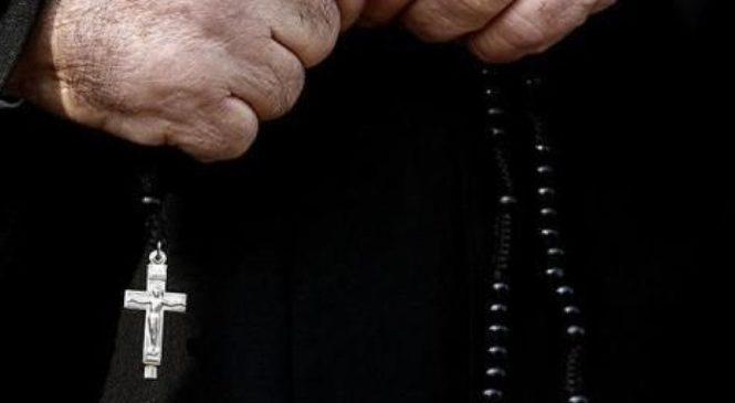 В Запорожье разгорелся скандал на похоронах погибшего ребенка