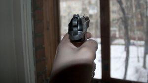 В Одессе мужчина из окна стрелял по прохожим